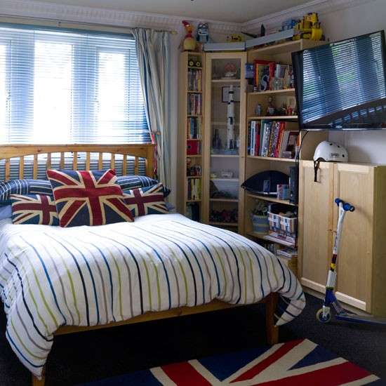 Teenage Boys' Bedroom With Union Jack Decor