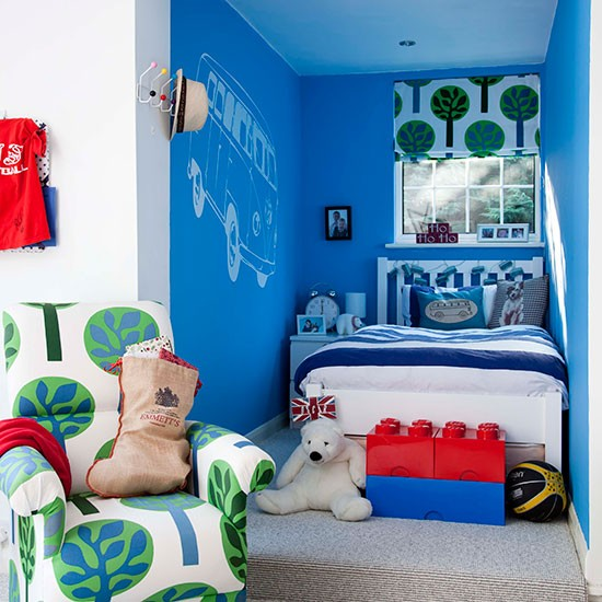 Boys' Bedroom With Co-ordinating Soft Furnishings