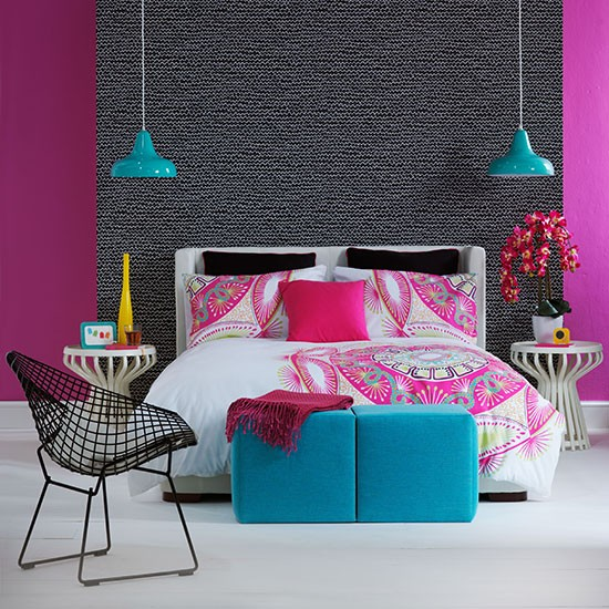 Pink and blue bedroom decorating with bright colours for Bedroom designs and colours