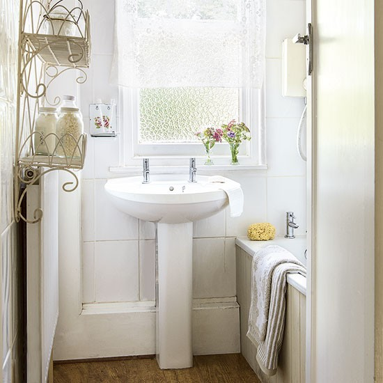 Housetohome Co Uk: White Country Bathroom
