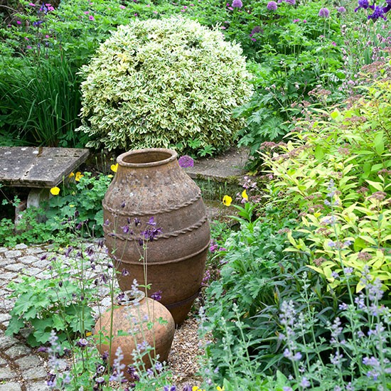 Rustic Country Garden With Pots Homes amp Interiors