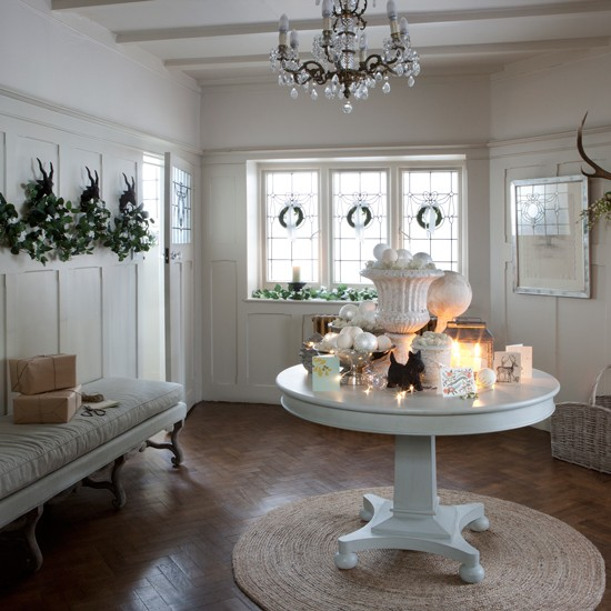 Classic Entrance Halls 10 Best: Christmas Hallway Ideas