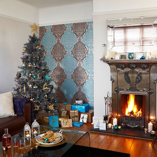 Country christmas living room with blue and silver colour - Blue and silver living room ...