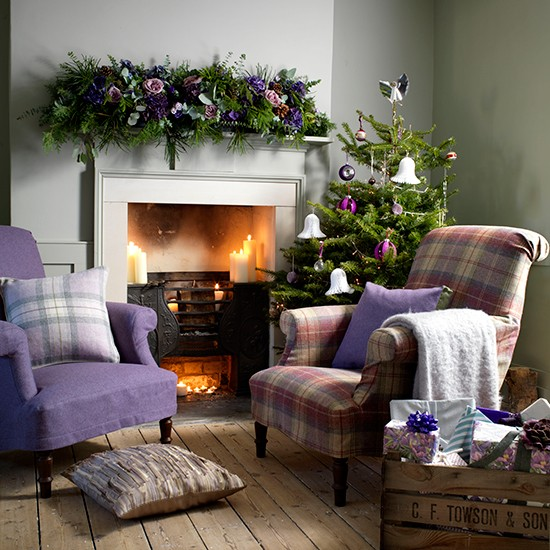 Cosy Christmas Living Room With Heather Armchairs Country Christmas Decorating Ideas