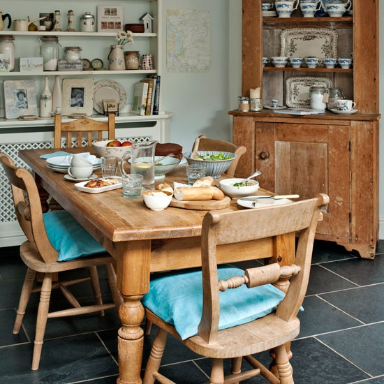 Country Kitchen Diner With Rustic Furniture Step Inside This Modern Country House In Devon