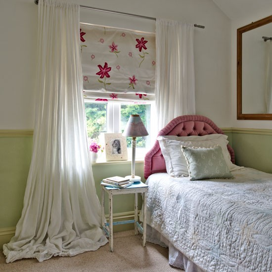 Green And White Guest Bedroom With Floral Blind Step