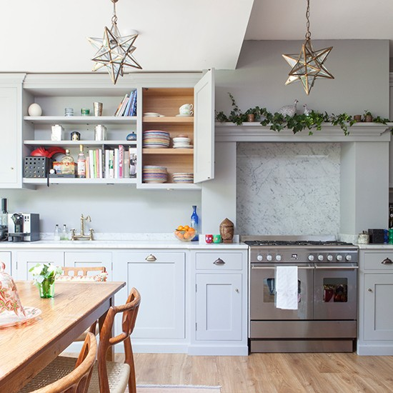 Blue Kitchen London: Festive West London Home