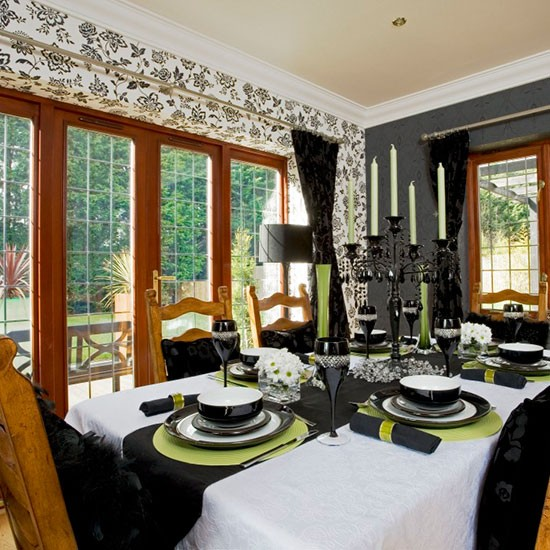 Monochrome wallpaper dining room wallpaper ideas for Wallpaper dining room ideas