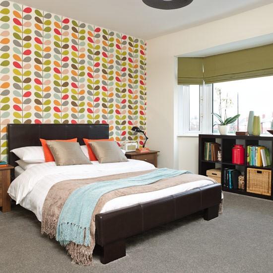 Bedroom Design 10 X 12 Bedroom Design For Romantic Couples Ceiling Design Ideas For Bedroom Bedroom Wall Art Design Ideas: Retro Patterned Bedroom