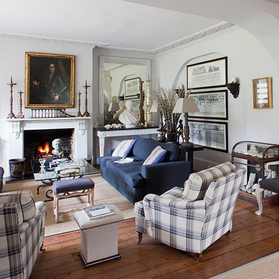 Country House Style Living Room With Classical Busts