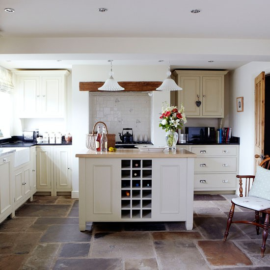 Kitchen | Victorian Yorkshire cottage | House tour | PHOTO GALLERY | country homes & interiors | Housetohome.co.uk
