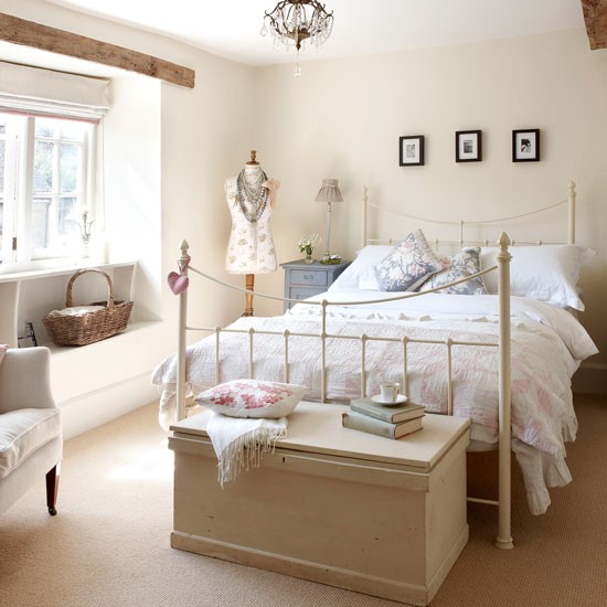 Second guest bedroom | Cotswold Farmhouse | House tour | PHOTO GALLERY | country homes & interiors | Housetohome.co.uk