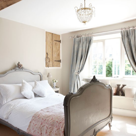 Main bedroom | Cotswold Farmhouse | House tour | PHOTO GALLERY | country homes & interiors | Housetohome.co.uk