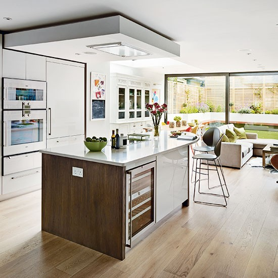 White and wood open plan kitchen open plan kitchen for Open plan kitchen ideas