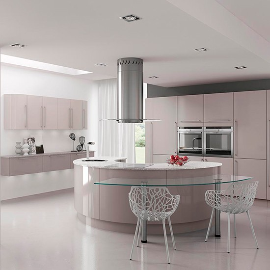 Hi gloss kitchen with curved units gloss kitchen ideas for Curved kitchen units uk