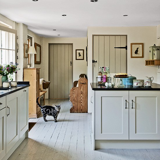 Kitchen | Country townhouse in Suffolk | House tour | PHOTO GALLERY | Country Homes & Interiors | Housetohome.co.uk