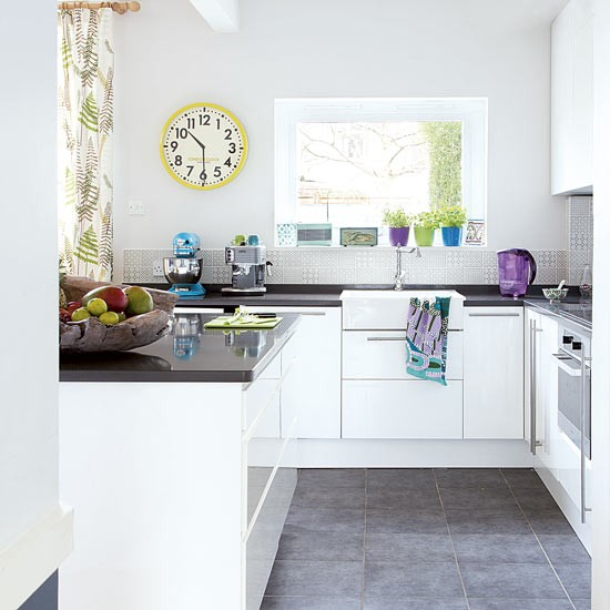 Kitchen be wowed by this edwardian house in croydon for Tropical themed kitchen