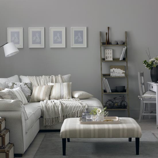 Grey living room with corner sofa and modern artwork - Decoration salon blanc et gris ...