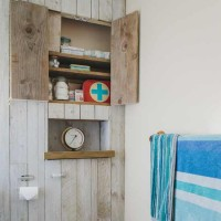 Coastal-style bathroom cabinet with tongue-and-groove wall panelling