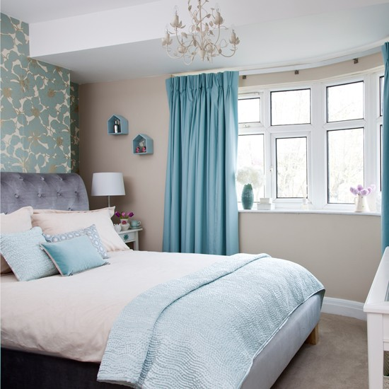 Relaxing Blue Bedroom With Statement Wall