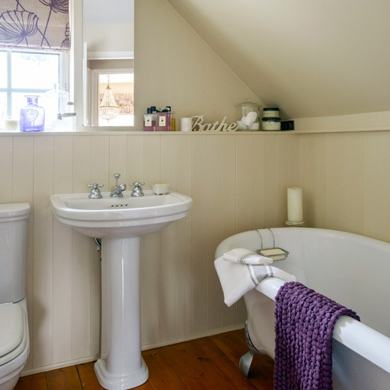Bathroom | Converted Hayloft in Sussex