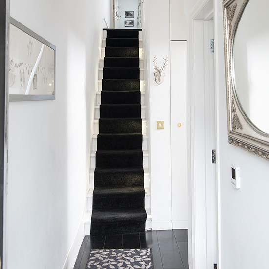 The Homify Guide To Choosing Hallway Wallpaper: Narrow Period Hallway With Black Stair Runner