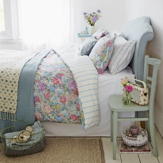 Duck egg bedroom with country florals duck egg blue for Duck egg bedroom ideas