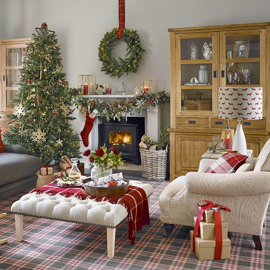 red and white christmas living room with tartan carpet. Black Bedroom Furniture Sets. Home Design Ideas
