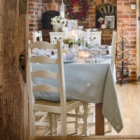 Country Christmas dining room
