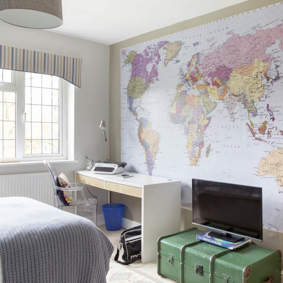 Teen boy 39 s room with map mural boys bedroom ideas and Teenage small bedroom ideas uk