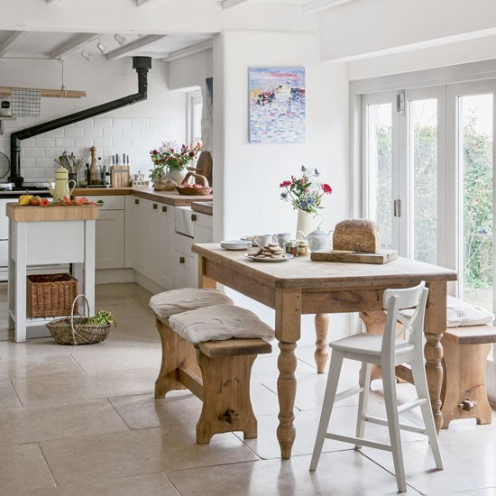 Kitchen diner take a tour of this devon forge for Small kitchen diner ideas
