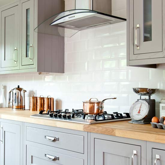 White Kitchen Units With Oak Worktop: Country Kitchen With Shaker Cabinetry And Wooden Worktop