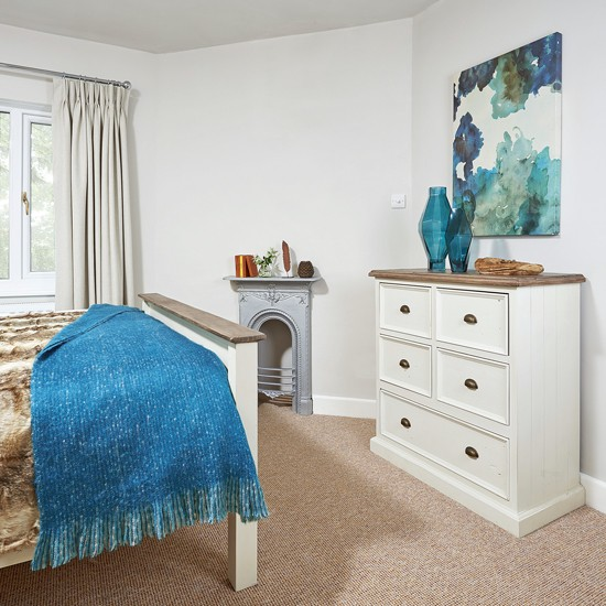 Http Housetohome Co Uk Bedroom Picture Traditional White Bedroom With Wooden Furniture And Blue Accents