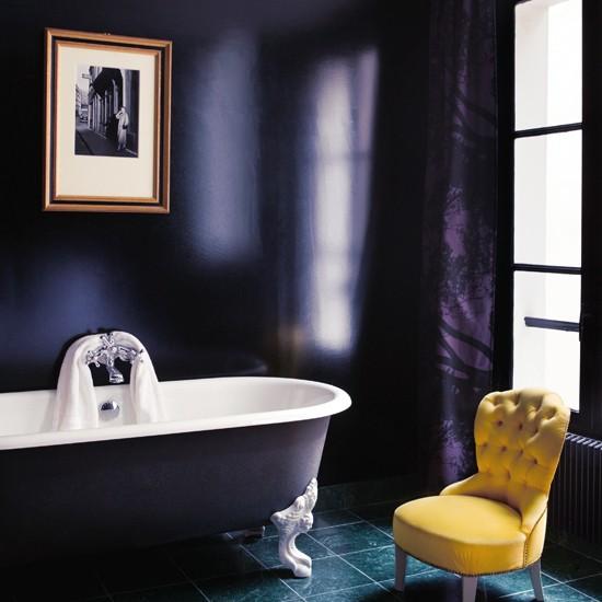 Purple glaze luxury bathroom ideas for Dark purple bathroom ideas