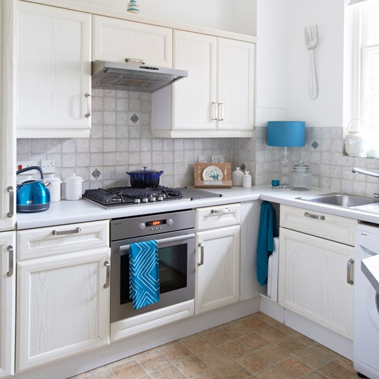 Pale Grey Kitchen With Teal Accent Accessories