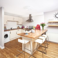 Kitchen-diner with extended worktop breakfast bar