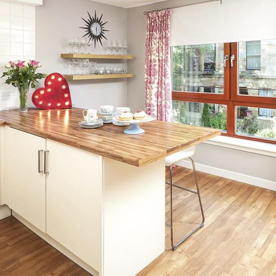 Kitchen Worktops Freestanding: Kitchen Breakfast Bar With Wooden Worktop And Floor