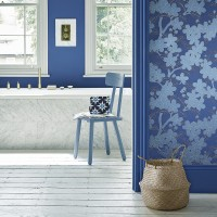 Modern bathroom with cobalt and baby blue wallpaper