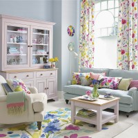 Living room with a spring-inspired palette and floral furnishings