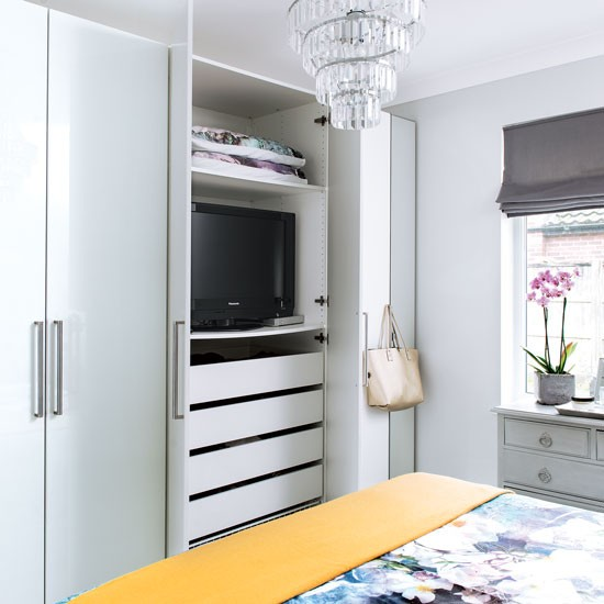 minimise clutter with modular wardrobes bedroom storage ideas