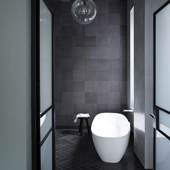 Charcoal tiled bathroom grey bathroom ideas to inspire for Bathroom grey tiles ideas