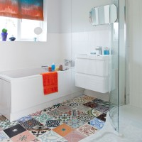 Be inspired by this colourful modern bathroom