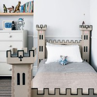 Chidren's bedroom with castle themed bed