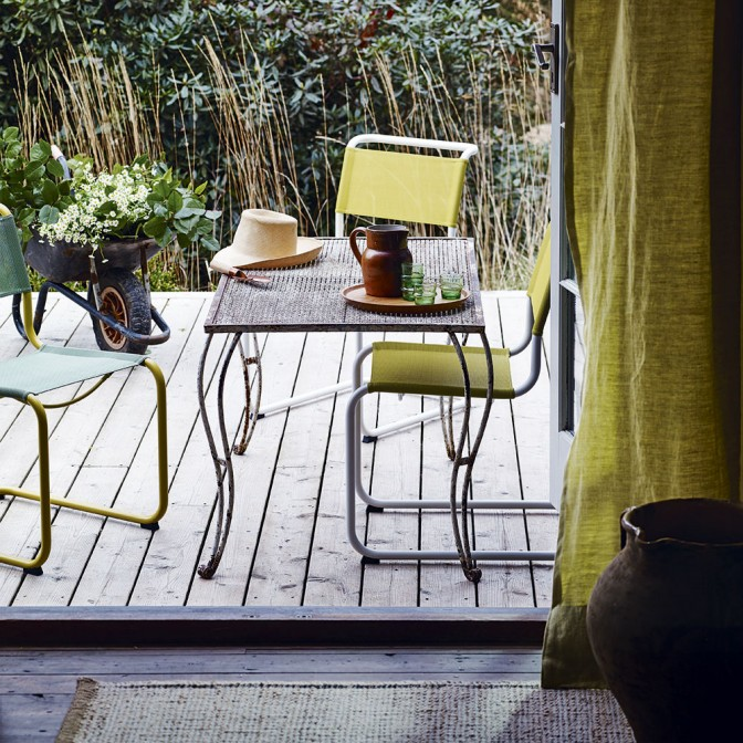 Garden deck with citrus accents