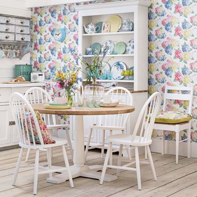 Modern country kitchen with floral wallpaper