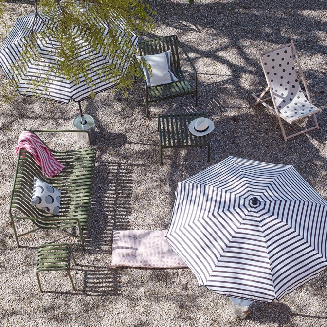 Outdoor lounging with contemporary patterns
