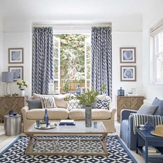 Coastal Inspired Living Room With Oak Furniture And Cream