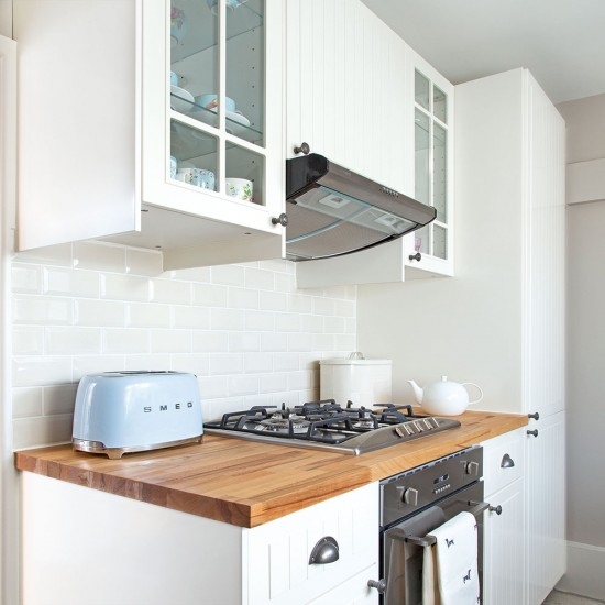 Small Kitchen Woodwork: Small White Kitchen With Wood Worktops
