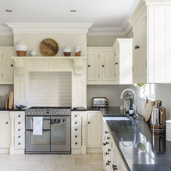 Step Inside This Beautiful Hampshire Country