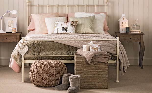 Cosy bedroom schemes for autumn